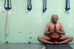 bks-iyengar-last-practice-500×333